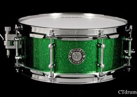 5×13 Solid Maple Brilliant Emerald Flake Edit